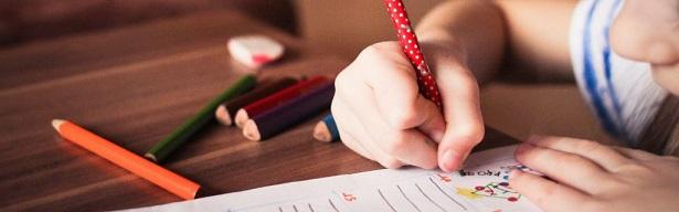 Praxis für Ergotherapie München, Pädiatrie, schreiben, Stifthaltung, Teaser